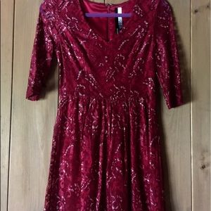 BEAUTIFUL DRESSY CRANBERRY LACY DRESS WITH SPARKLE